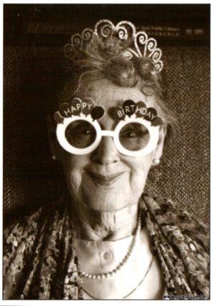 carte postale noir et blanc granny's birthday