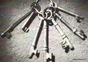 carte postale photographie noir et blanc seven keys