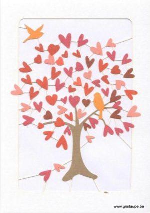 carte postale double découpée au laser et formant un arbre dont les feuilles sot des coeurs