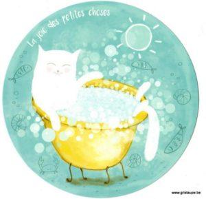 carte postale ronde illustrée par lilit altunyan et éditée aux éditions des correspondances la joies des petites choses