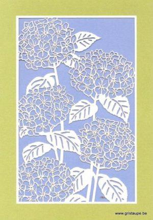 carte postale double découpée au laser format des hortensias et éditée aux éditions quire