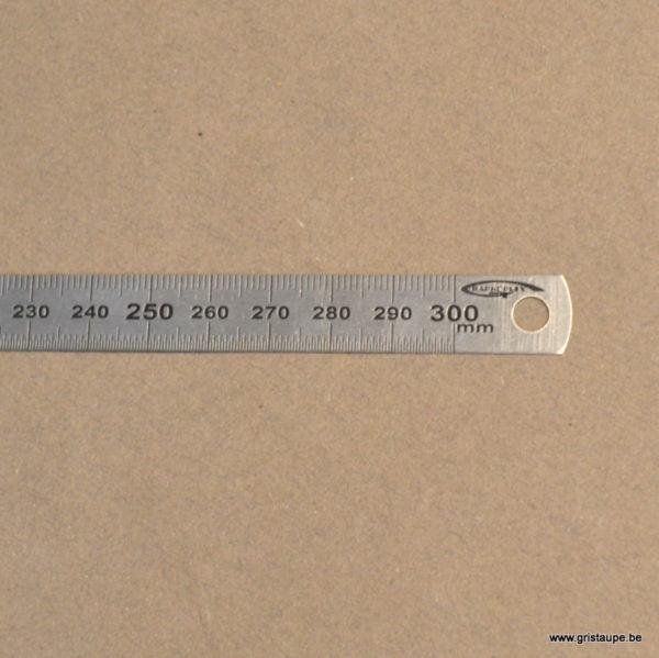 réglet en métal de 30cm de long pour tous les travaux de loisirs créatifs