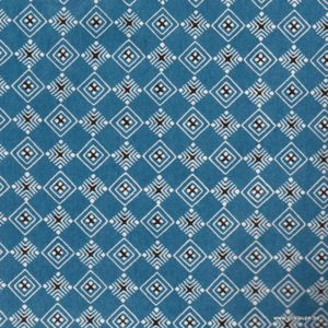 papier japonais ou washi katazome décoré au pochoir losange blanc et noir sur fond bleu