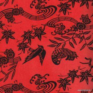 papier japonais ou washi katazome décoré au pochoir oiseau noir sur fond rouge