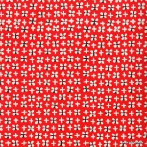papier japonais ou washi katazome décoré au pochoir trèfles clair sur fond rouge